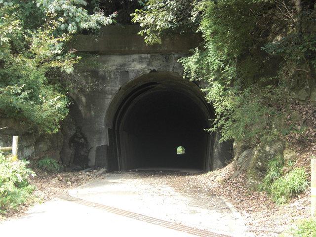 山神トンネル - 神奈川県の心霊...